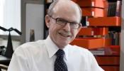 Professor Kendall Houk / Reed Hutchinson / UCLA